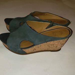 Franco Sarto womens blue leather wedge sz 9